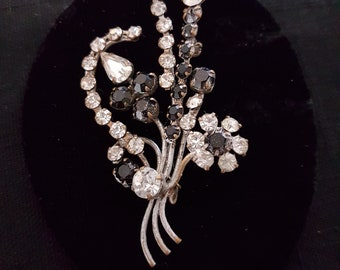 Mother's Day Gift Vintage Silver Rhinestone Floral Bouquet Brooch Pin