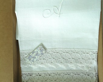Linen towel creps 90 x 70 cm with embroidery