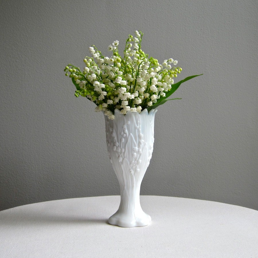 Vintage lily of the valley milk glass vase by westmoreland zoom izmirmasajfo Gallery