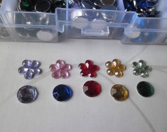 x 1 box of +/-653 mixed rhinestone flower/round multicolored paste 8/10 mm