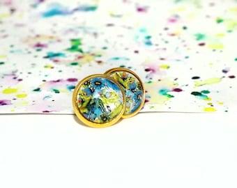 Spring floral stud earrings - Blue flower stud earrings - Bright floral earrings - Round floral earrings - Flower picture studs