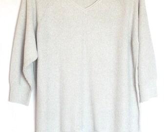 Liz Claiborne Women Light Gray/Silver 3/4 Length Sleeved Light Weight Sweater