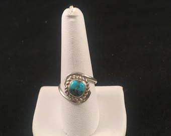 Native American Navajo Turquoise and Sterling Silver Ring Size 9.5