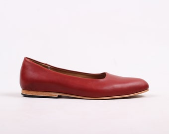 Single Cut Loafer (Cherry)