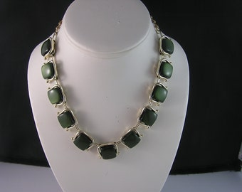Pretty Forest Green Thermoset Necklace
