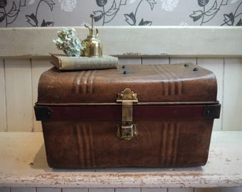 Small Size Vintage Travel Trunk - Vintage Tin Trunk - Antique Trunk - Storage Trunk - Vintage Metal Trunk - Coffee Table Trunk - Small Trunk