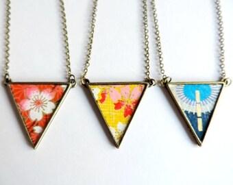 collier - Valse la chance / triangle washi rouge