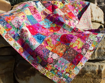 Quilt. Boho quilt. Eclectic quilt. Floral quilt. Hand crafted quilt. Patchwork. Colorful quilt. Full size bed cover.