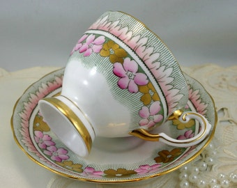 Beautiful, Elegant Tuscan Teacup & Saucer, Unique Pattern, Gold Rims, Fine Bone English China made in 1970s.