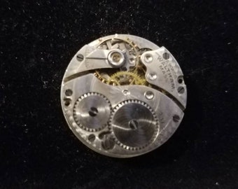 ANTIQUE: 1917 17 Jewel ILLINOIS Pocket Watch Movement Parts or Repair