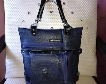Chic bag in dark blue