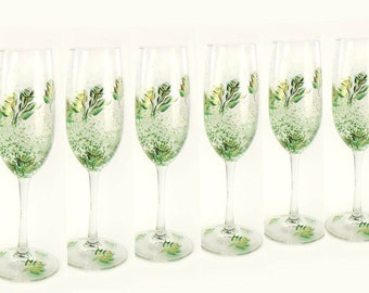 12 Champagne Flutes Bridal Party Glasses Emerald Green and Gold Flutes  Bridesmaid's Gifts Emerald Wedding Host Gift Wedding Party Flutes
