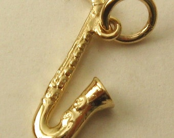 Genuine SOLID 9ct YELLOW GOLD Saxophone Musical Instrument charm pendant