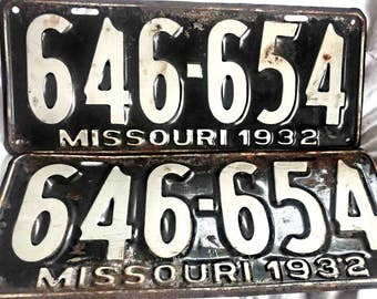 Matched pair or 2 car license plates original 1932  646-654 never issued showing aging and storage.