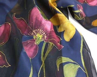 LAURA ASHLEY - elegant Silk wrap/echarpe/headscarf