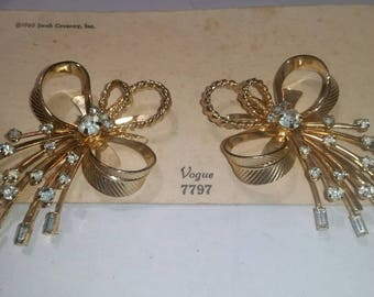 Sarah Coventry vogue 1960 clip ons. Sarah Coventry vogue new old stock Sarah Coventry