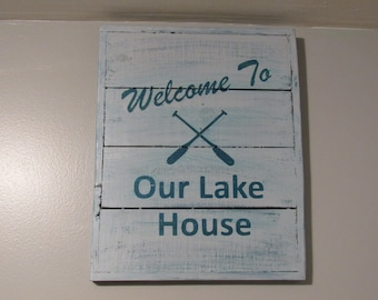 """Rustic Pallet Wood """"Lake House"""" Sign"""