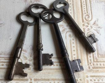4 Antique Skeleton Keys