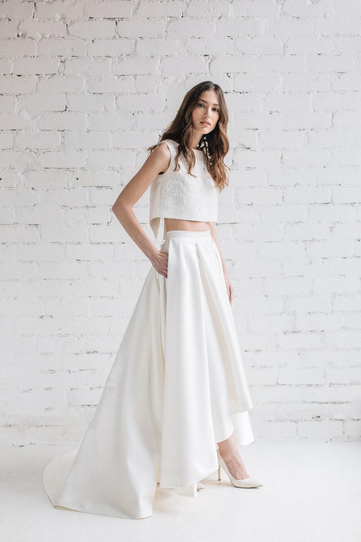 Schlichtes Brautkleid Braut trennt hohe niedrige Brautkleid