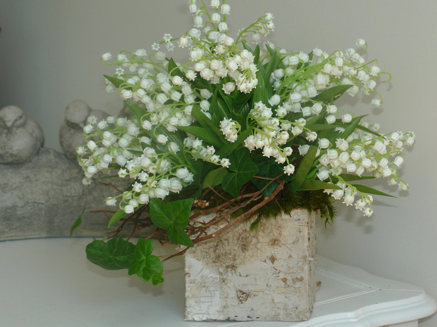 Wedding centerpieces lily of the valley birch bark square zoom floridaeventfo Image collections