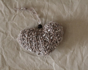 Christmas decoration in wool in the shape of a heart, decoration Xmas tree, Wool heart, heart made knitting, wool mélange