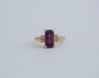 Vintage Avon Amethyst and Clear Gem Ring
