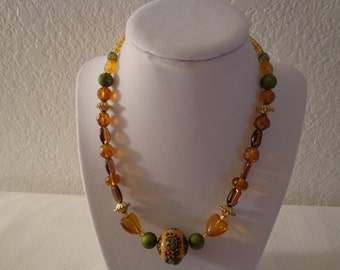 Stunning Vintage Amber and Green Beaded Necklace