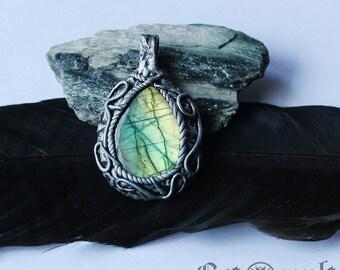 Magic labradorite pendant amulet