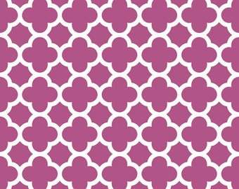 Quatrefoil in Fuchsia, Riley Blake Designs (C435-93) -- BY THE YARD