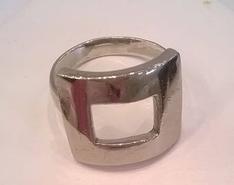 Vintage Handcrafted Sterling Silver Ring with Open Rectangle Design - Size 6 1/2 Finger Ring