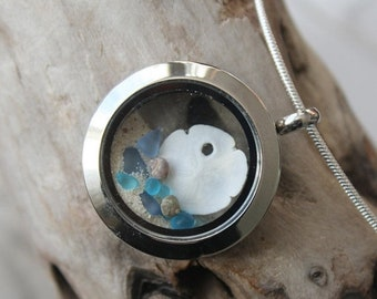 Sale 20% Rabais Sand dollar locket, sand dollar necklace, ocean locket, sea shell necklace, sea glass necklace, sea glass, sea glass pendant