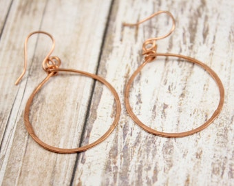 HANDCRAFTED COPPER HOOP Earrings - Hand forged Copper Hoop Earrings - Minimalist Hoop Earrings - Handmade Hoop Earrings