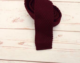 Square End Tie - Vintage Red Tie - Skinny Vintage Tie - 1970s Vintage Tie - 1970s Skinny Tie - Square Necktie - Skinny Necktie