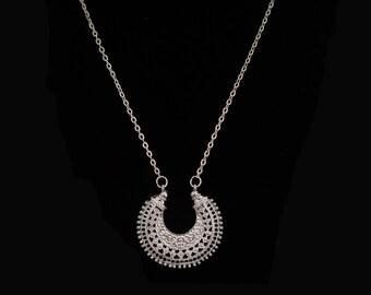 Silver Crescent Moon Pendant Chain Necklace