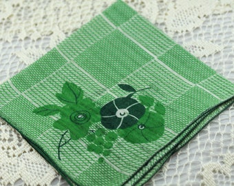Vintage Hankie Green Unique Pattern #D-47