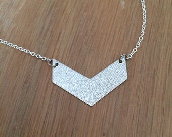 Chevron (silver) necklace