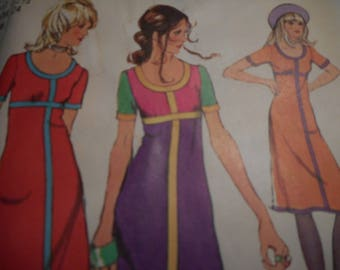 Vintage 1970's Simplicity 9543 Dress Sewing Pattern Size 10 Bust 32.5