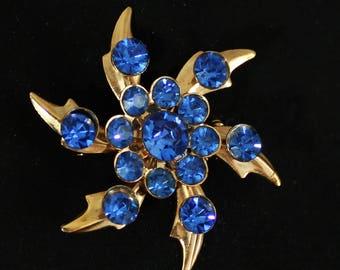 Vintage 60s Blue Rhinestone Snowflake Brooch, Stunning Mid Century Rhinestone Snowflake Pin, 60s Blue Rhinestone Flower Pin