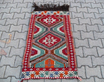 free shipping VINTAGE TURKİSH mut cecim kilim Anatolian handwoven kilim rug decorative kilim - SİZE : 26'' X 48'' ( 67 cm X 120 cm)