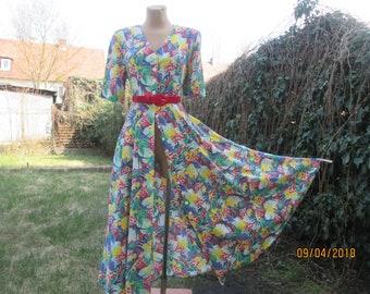 Long Buttoned Dress / Dress Vintage / Dress Maxi / Size EUR42 X UK14 / Viscose / Dress with Pockets / Floral