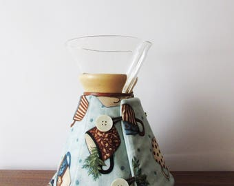 Chemex Cozy, 6, 8, or 10 Cup Pot, Blue with Coffee Cups