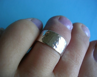 Sterling Silver Toe Ring - Reflective Shimmer Finish 8mm wide