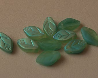 10 glass leaf beads Czech green color of water AB