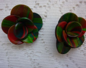 HARMONY RED FLOWERS AND GREEN POLYMER CLAY CREATION