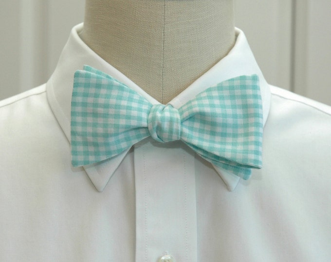 Men's Bow Tie, mint gingham bow tie, sea foam bow tie, wedding bow tie, pastel bow tie, groom bow tie, groomsmen gift, aqua white bow tie