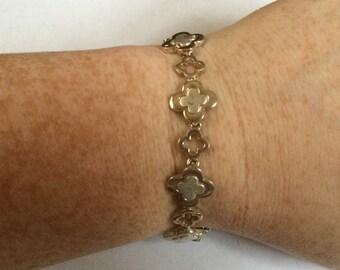 Vintage Silvertone Design Bracelet, 7.5'' Long