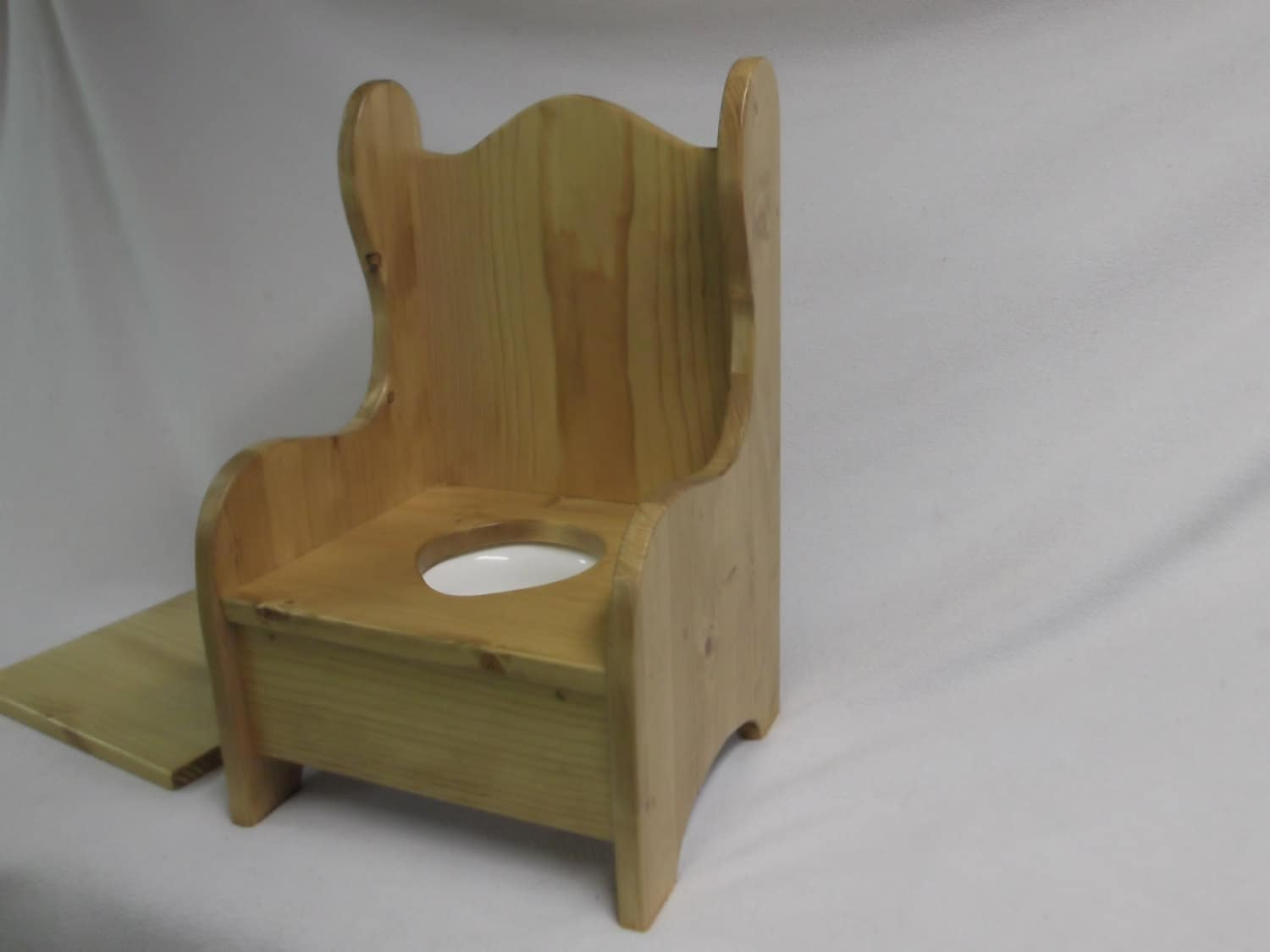 🔎zoom - Wooden Potty Chair