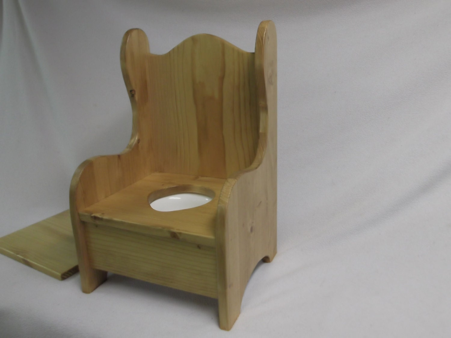 Superbe Wooden Potty Chair