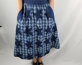 Vintage Women's Denim Skirt, Flowing denim Skirt by  Gene Edwing, Houndstooth, Stars//Women's Size Medium M