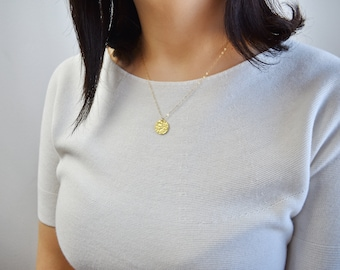 Hammered Disc Necklace / Gold Circle Necklace / Dainty Gold Disc Necklace / Delicate Disk Necklace / Gift  for Her / Birthday Gift AD014